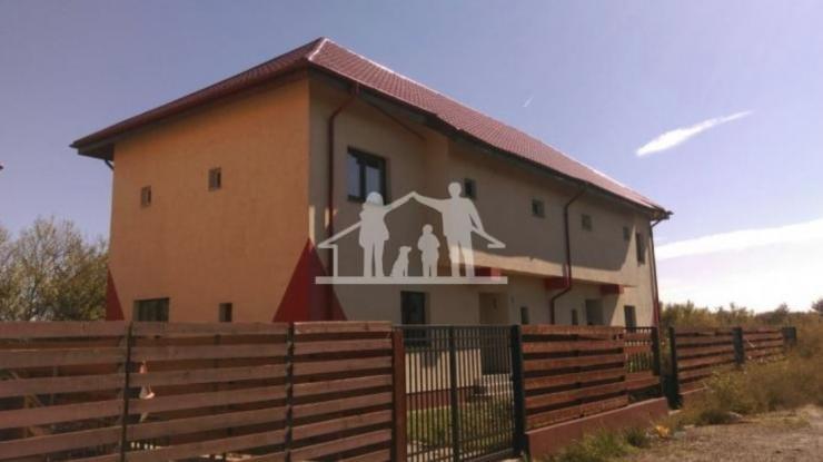 Case noi Domnesti - Fort Residence