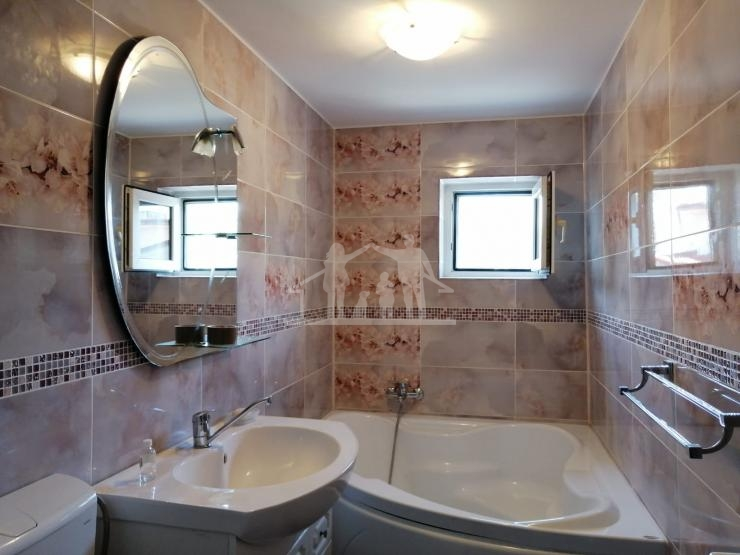 Apartament de Vanzare - 3 camere Zona Sebastian